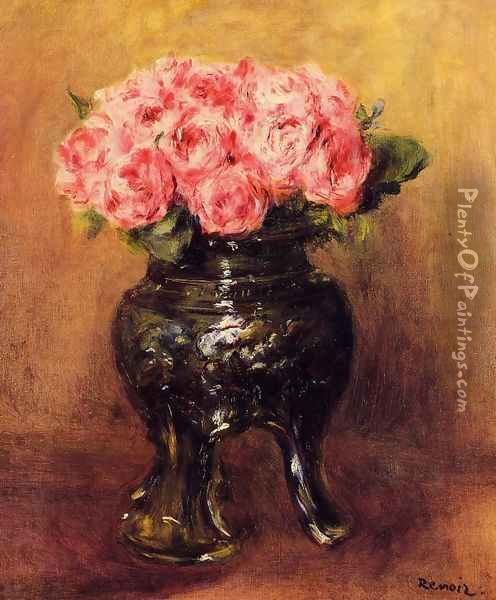 Roses In A China Vase Oil Painting - Pierre Auguste Renoir